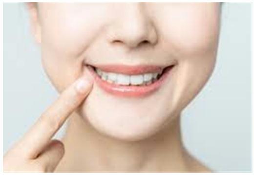 女性の歯.jpg