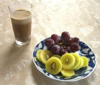 朝の果物.jpg